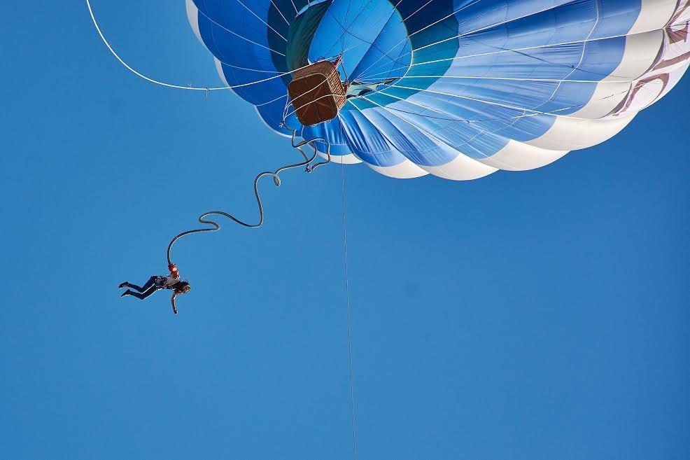 Бънджи скок от балон